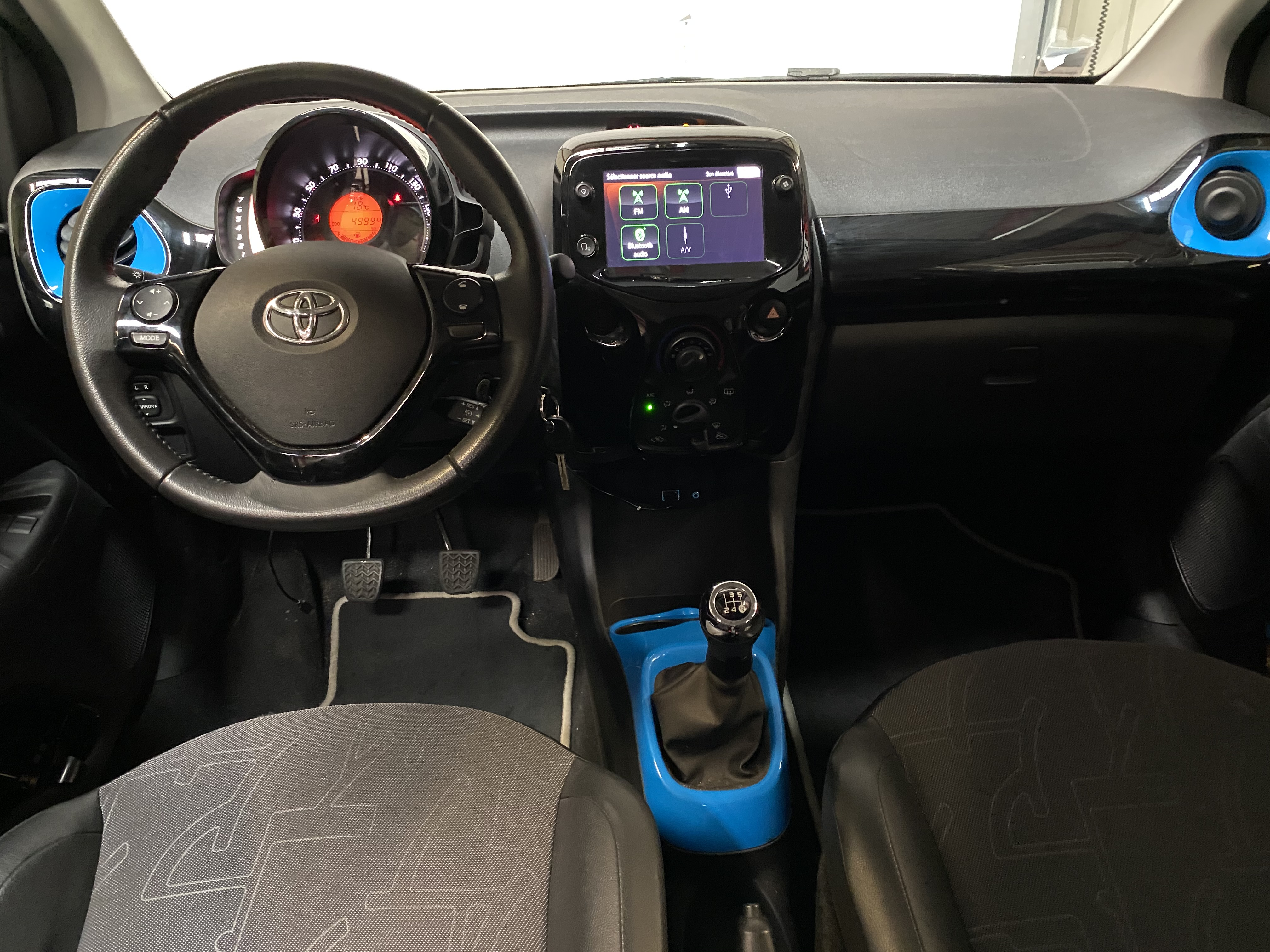 photo_Toyota Aygo 1.0 VVTI 72 X TREND,