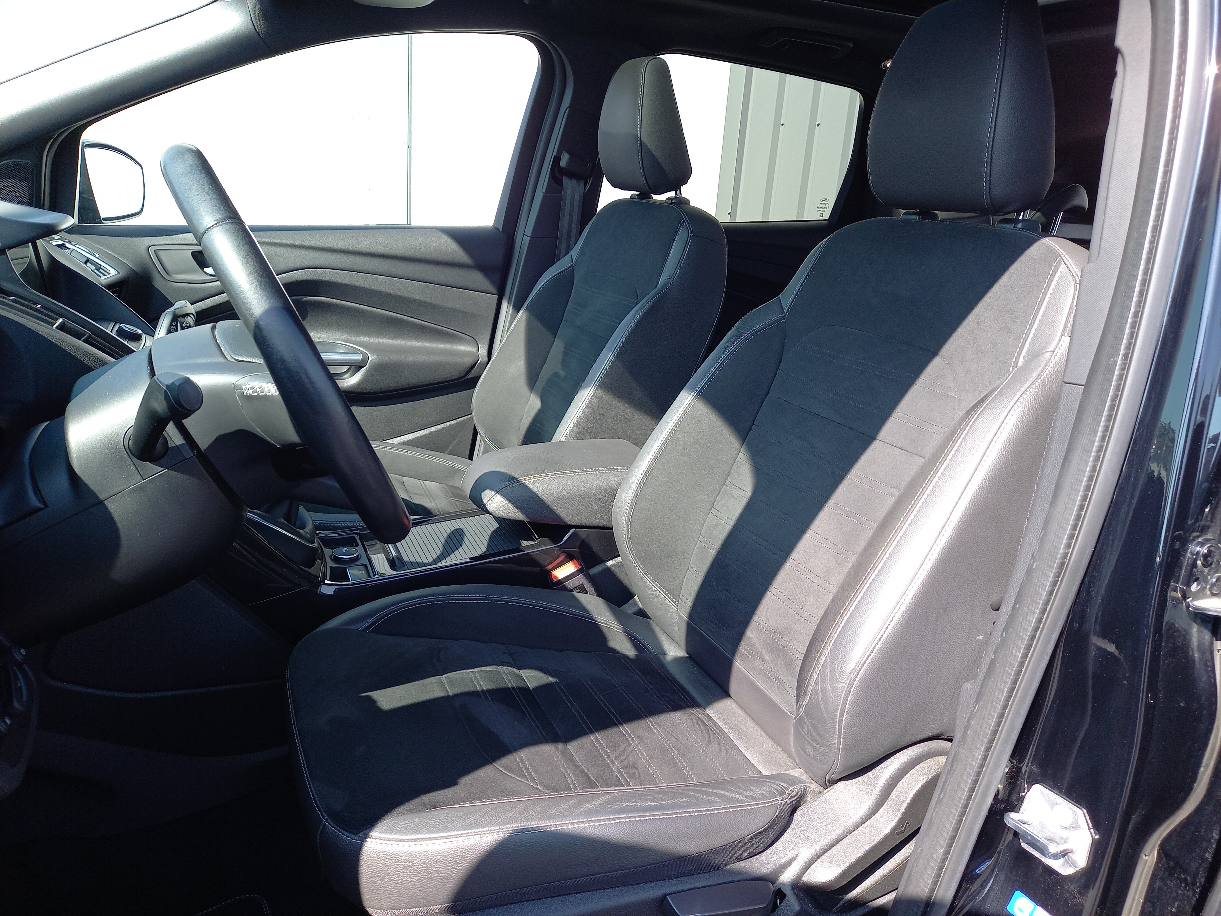 photo_Ford Kuga 1.5 SCTi EcoBoost ST-line 150 CH, Carslift