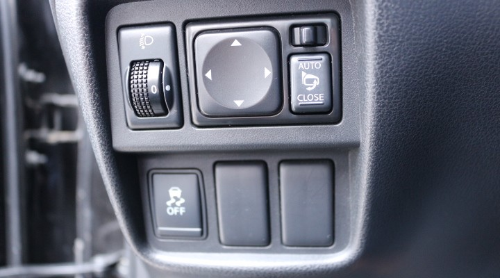 photo_Nissan Juke TECHNA 1.6  117 CH,