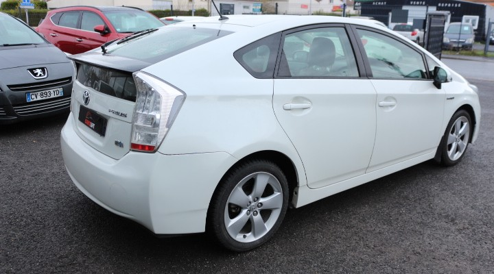 photo_Toyota Prius DYNAMIC 1.8  136 H,