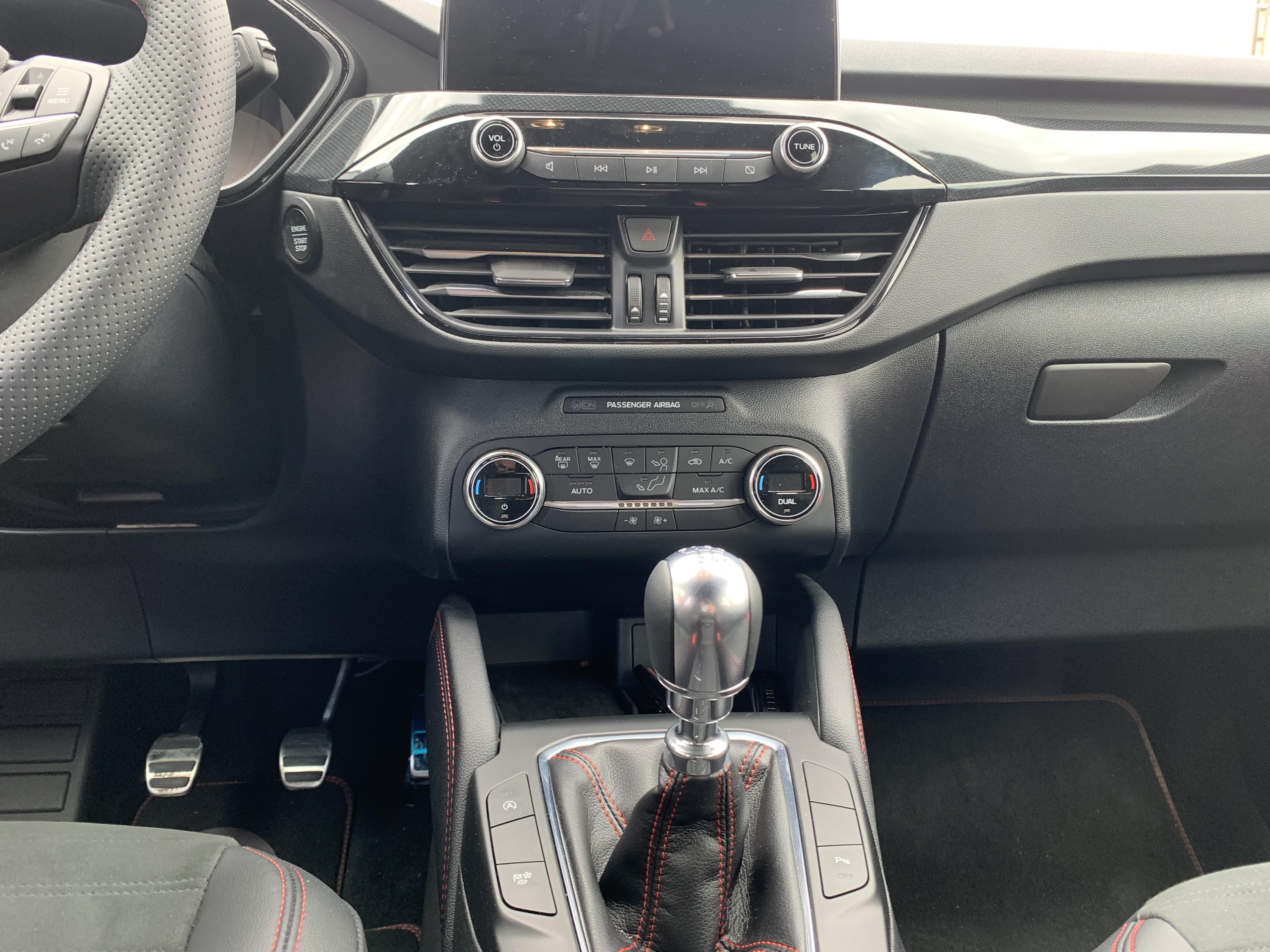 photo_Ford Kuga ECOBLUE 150CV STLINE X MHEV, Constructeur