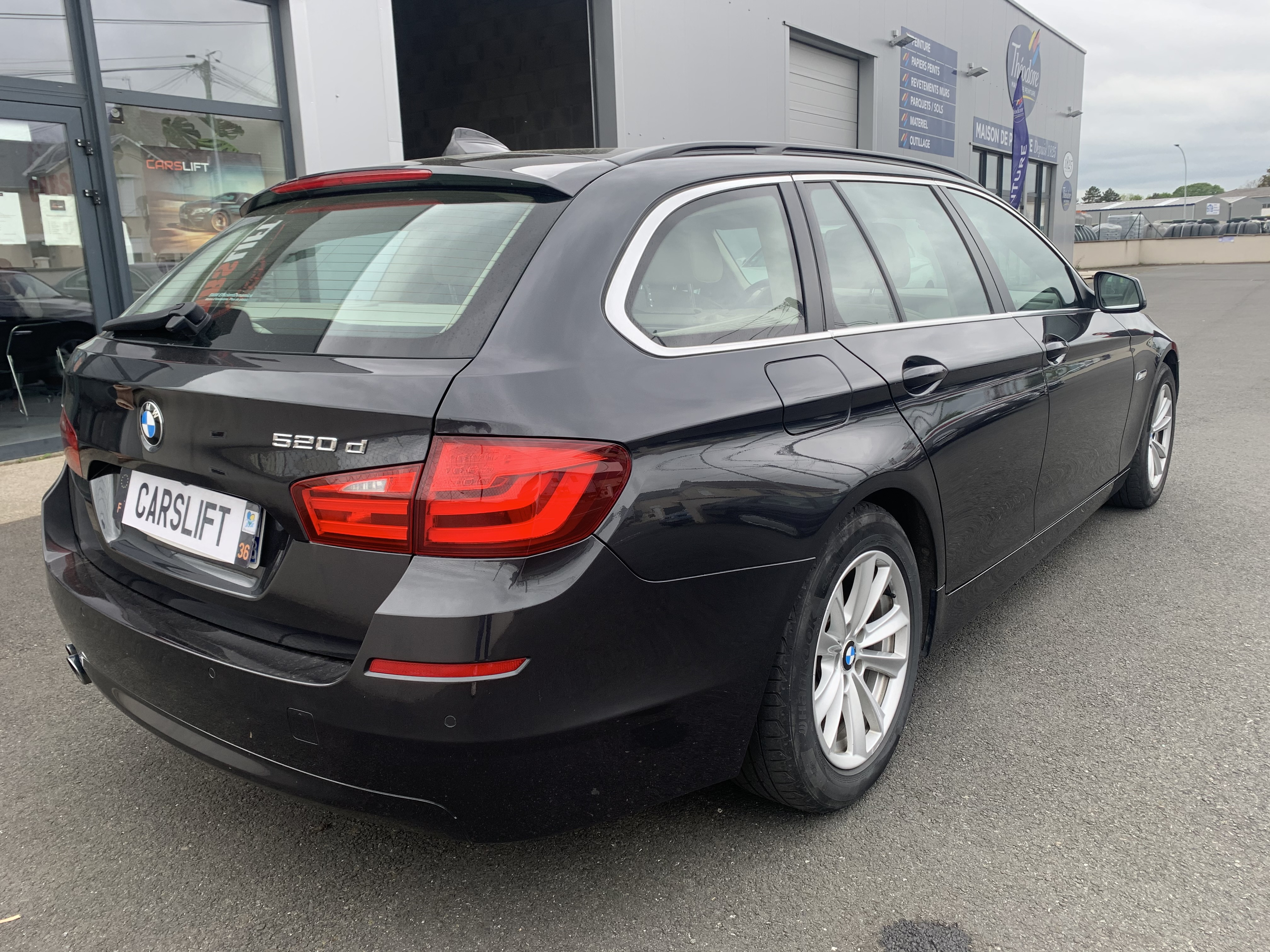 photo_BMW Serie 5 520D 184 CV TOURING , Carslift