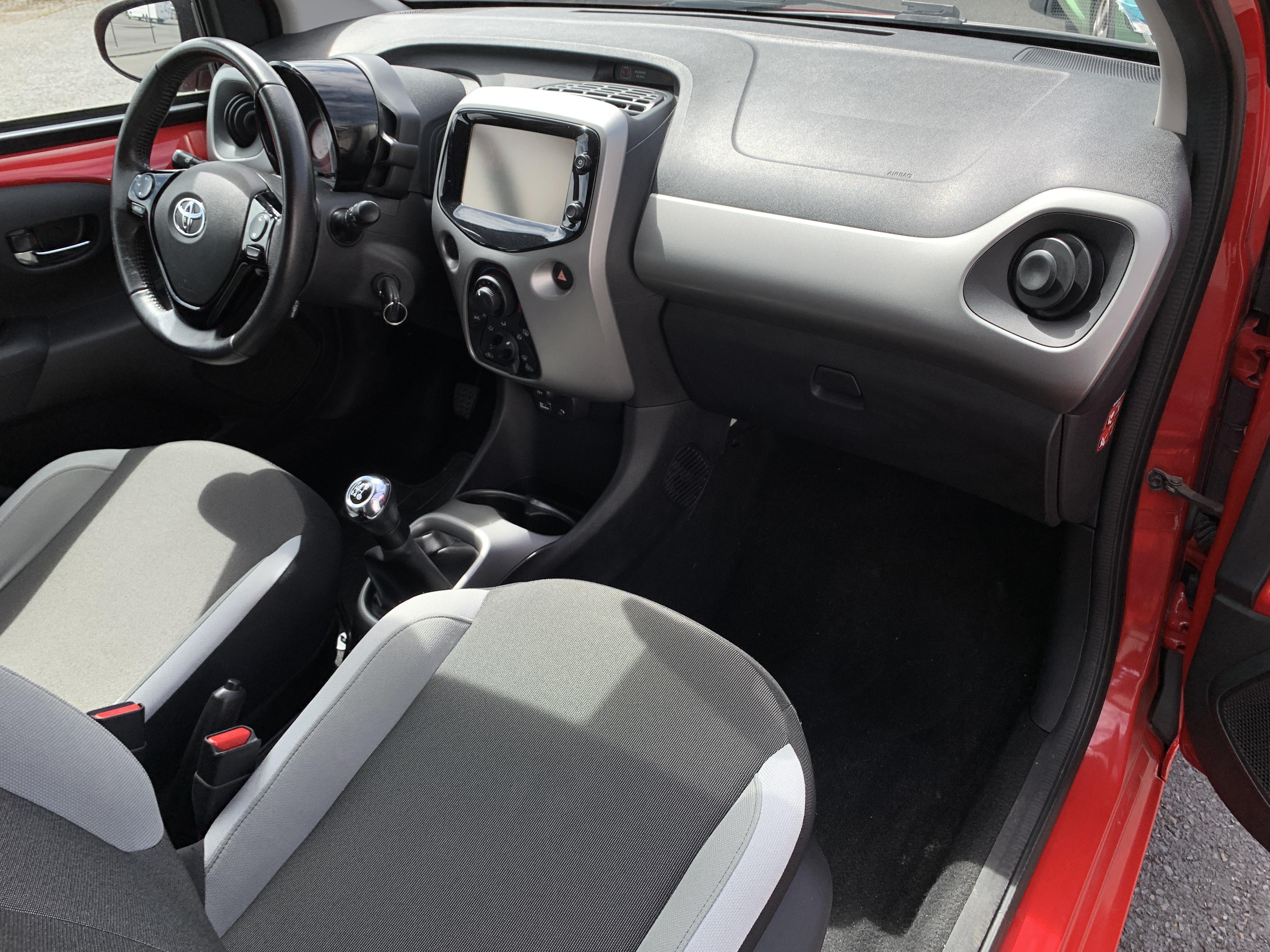 photo_Toyota Aygo 1.0 VVTi 69 CH X-PLAY - GARANTIE 6 MOIS, Carslift
