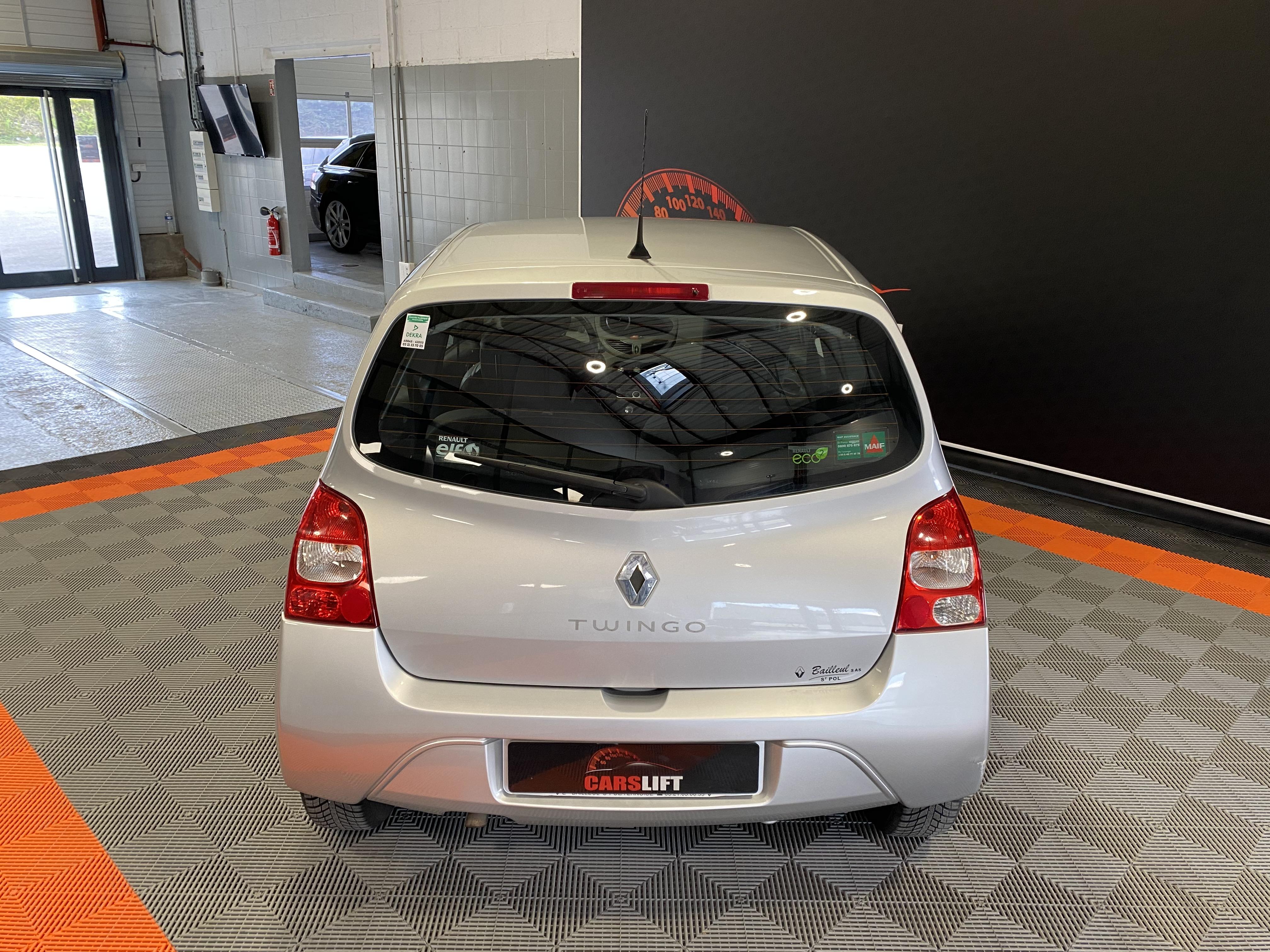 photo_Renault Twingo II 1.2i 75 CH - GARANTIE 6 MOIS,